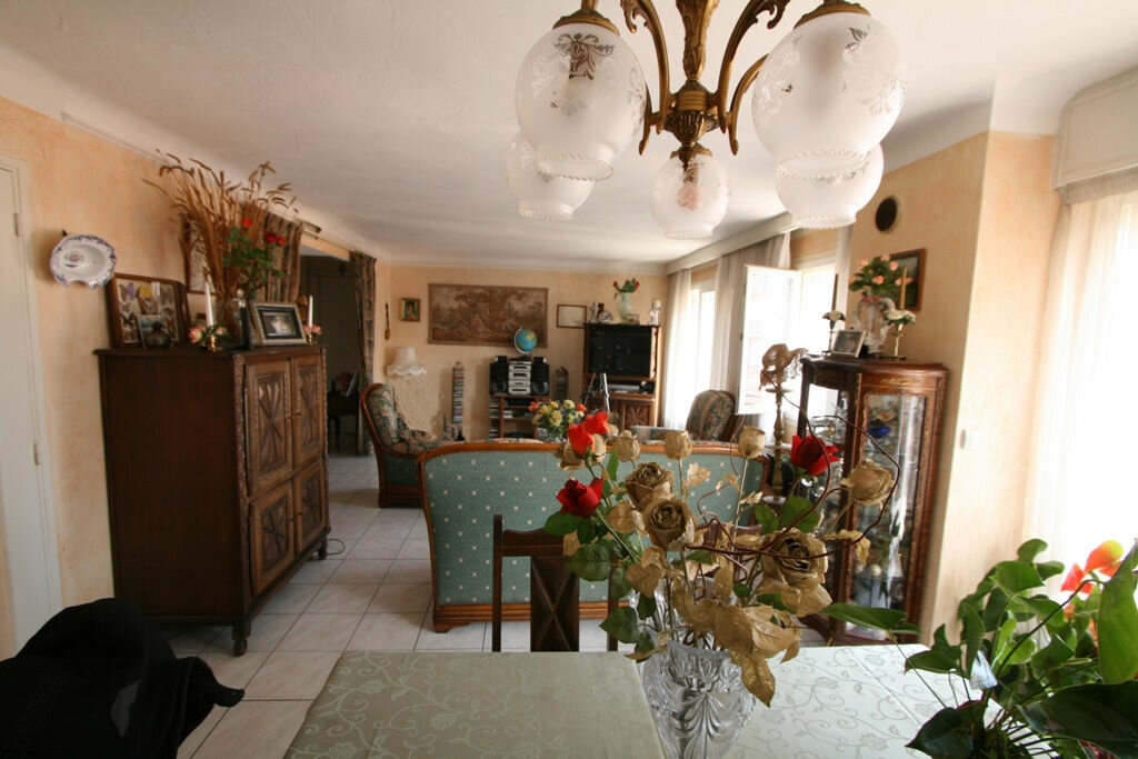 appartement cannes 94 m t 3 vendre 130 000 orpi. Black Bedroom Furniture Sets. Home Design Ideas