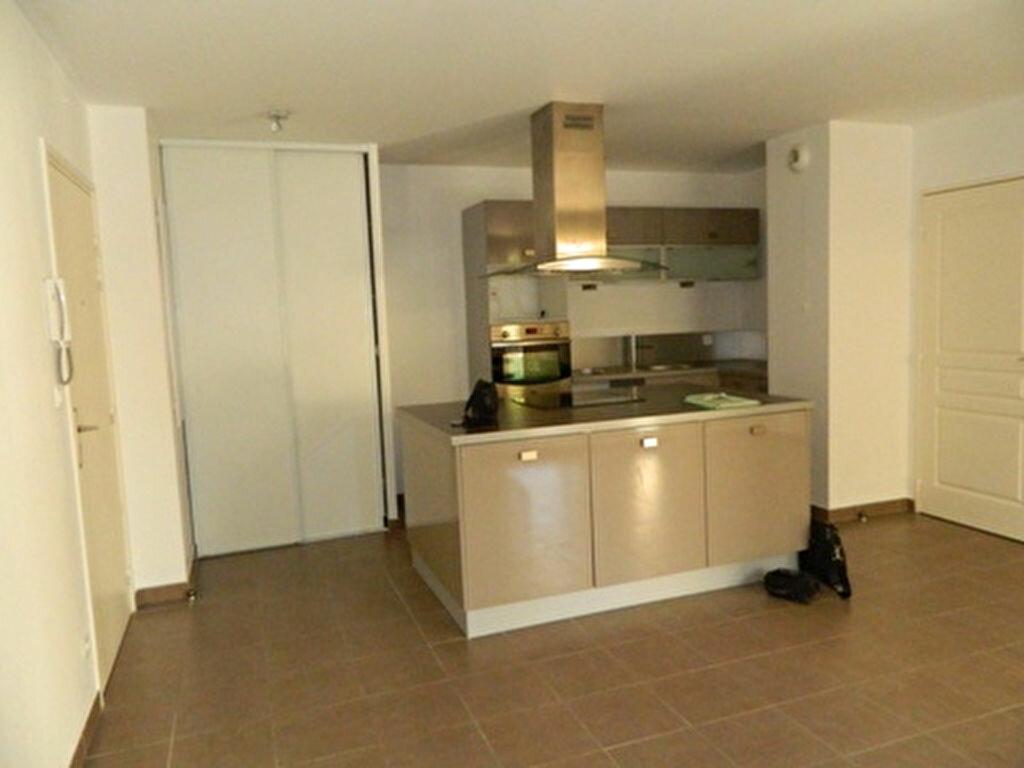 Achat Appartement 3 pièces à Roquevaire - vignette-4
