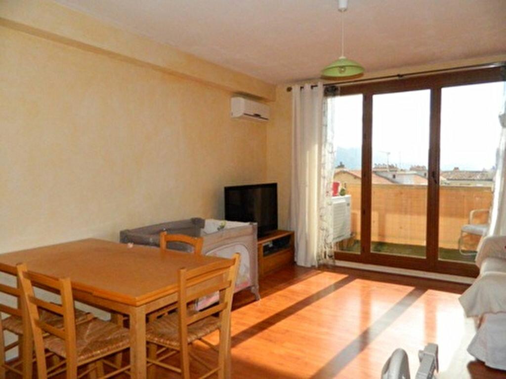 Achat Appartement 3 pièces à Aubagne - vignette-1