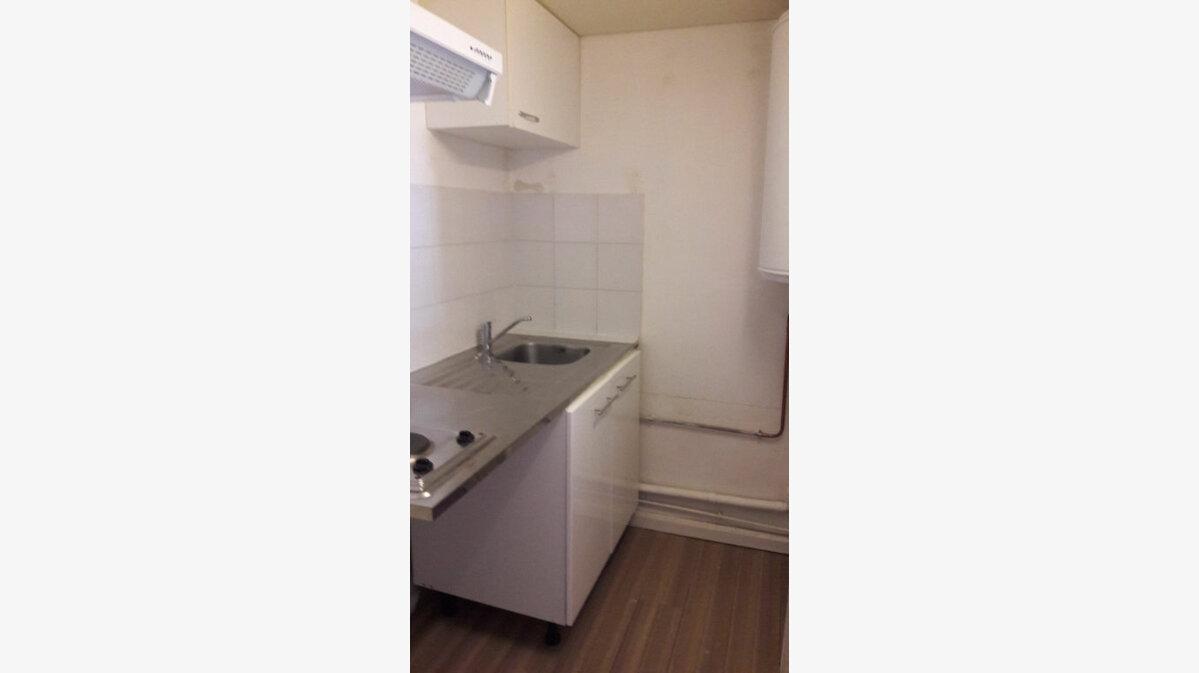 Location Appartement 2 pièces à Vitrolles - vignette-1