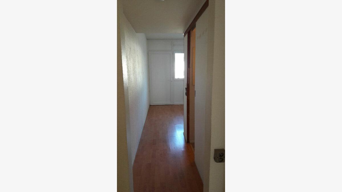 Location Appartement 2 pièces à Vitrolles - vignette-2