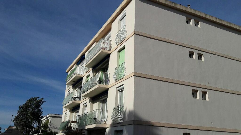Location Appartement 3 pièces à Marignane - vignette-1
