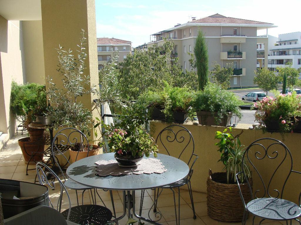 Achat Appartement 4 pièces à Aix-en-Provence - vignette-1