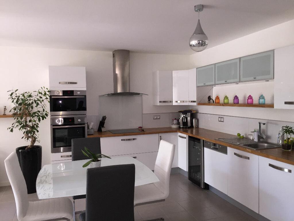 Achat Appartement 3 pièces à Bouc-Bel-Air - vignette-1