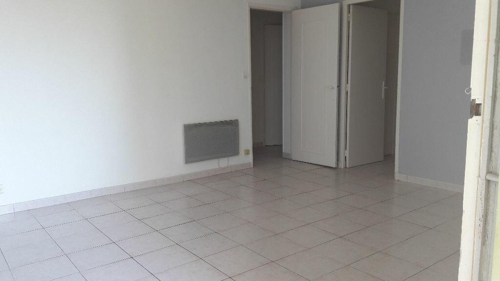 Location Appartement 2 pièces à Marignane - vignette-1