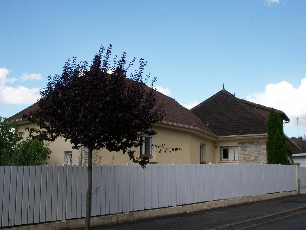 Achat Maison 10 pièces à Brive-la-Gaillarde - vignette-1