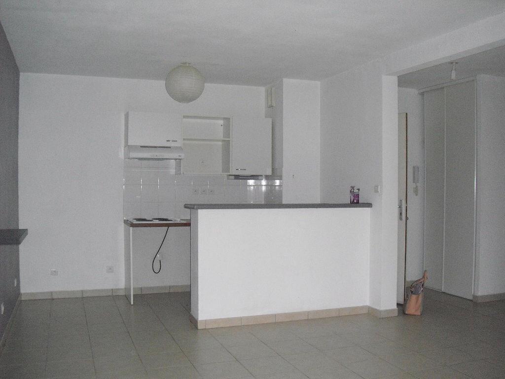 Location Appartement 3 pièces à Malemort-sur-Corrèze - vignette-2