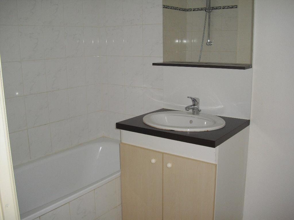 Location Appartement 3 pièces à Malemort-sur-Corrèze - vignette-4