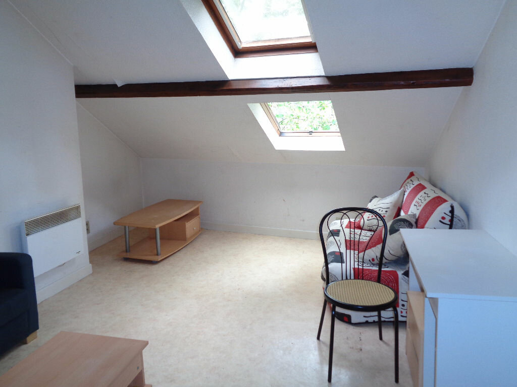 Location Appartement 1 pièce à Brive-la-Gaillarde - vignette-1