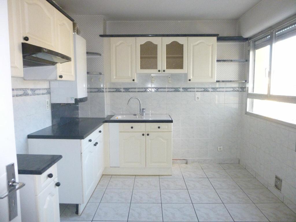 Location Appartement 5 pièces à Brive-la-Gaillarde - vignette-1