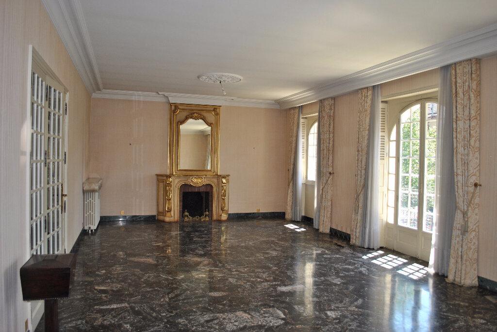 Achat Maison 9 pièces à Brive-la-Gaillarde - vignette-3