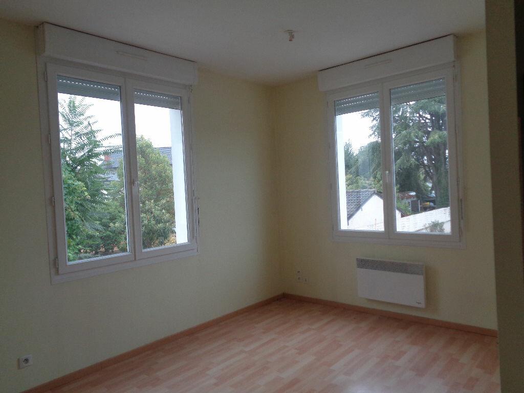 Location Appartement 1 pièce à Brive-la-Gaillarde - vignette-2