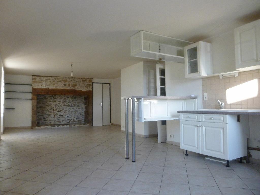 Location Appartement 3 pièces à Sainte-Féréole - vignette-1