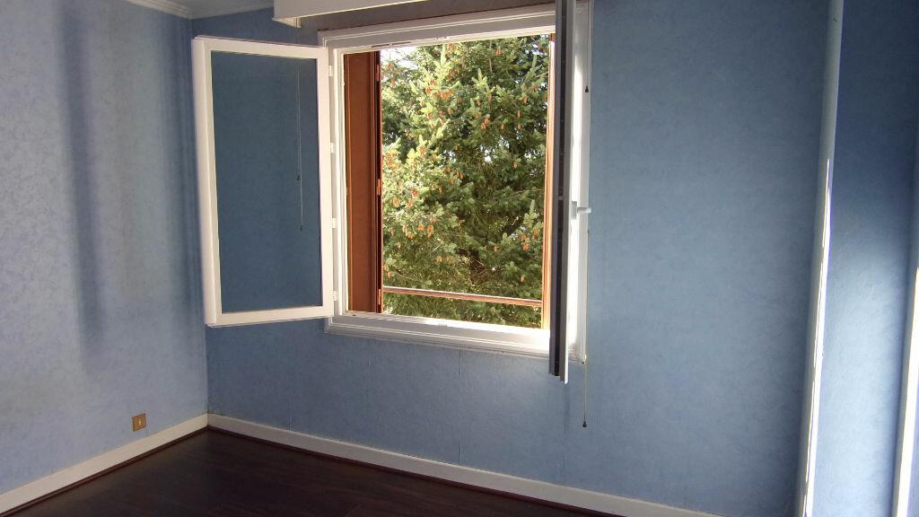 Achat Appartement 3 pièces à Brive-la-Gaillarde - vignette-6