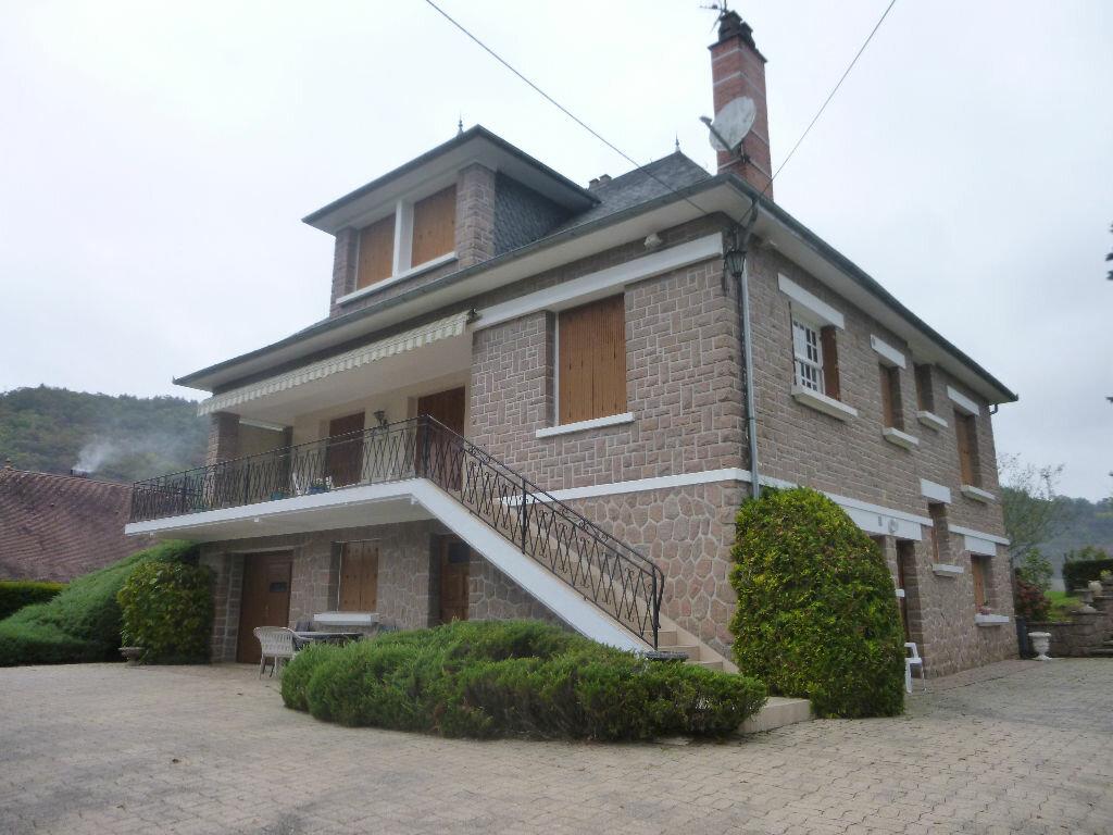 Location Maison 6 pièces à Aubazines - vignette-1