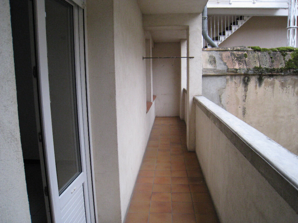 Achat Appartement 3 pièces à Beaumont-de-Lomagne - vignette-2