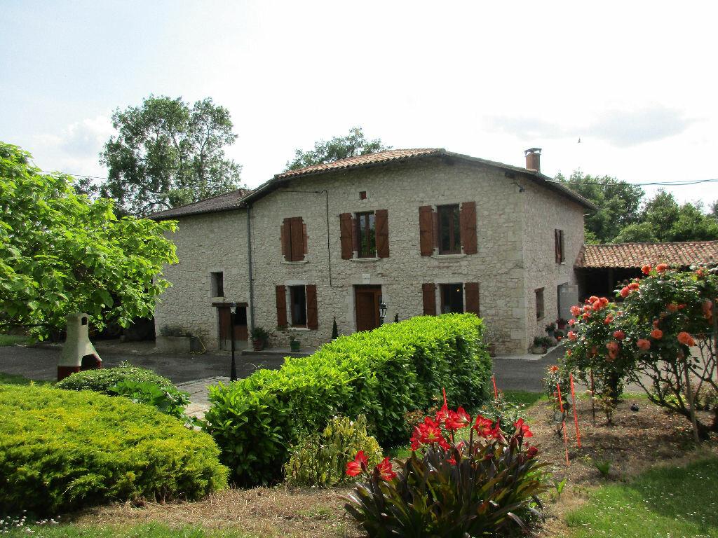 Achat Maison 8 pièces à Beaumont-de-Lomagne - vignette-1