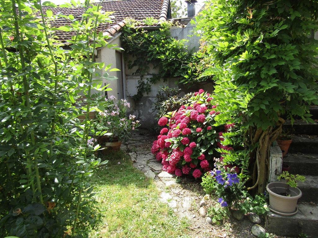Achat Maison 8 pièces à Castelsarrasin - vignette-1