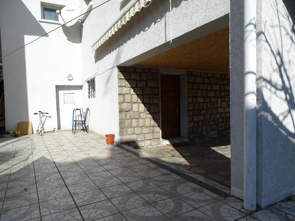 Achat Maison 7 pièces à Saint-Étienne - vignette-16