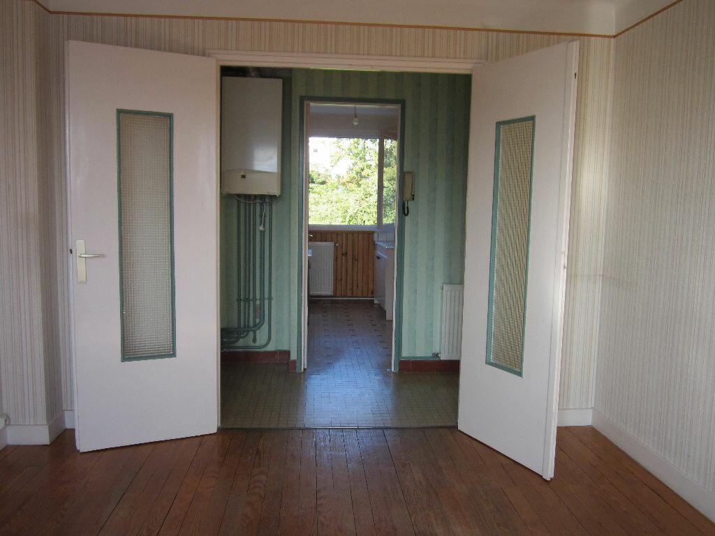 Achat Appartement 4 pièces à Saint-Étienne - vignette-12
