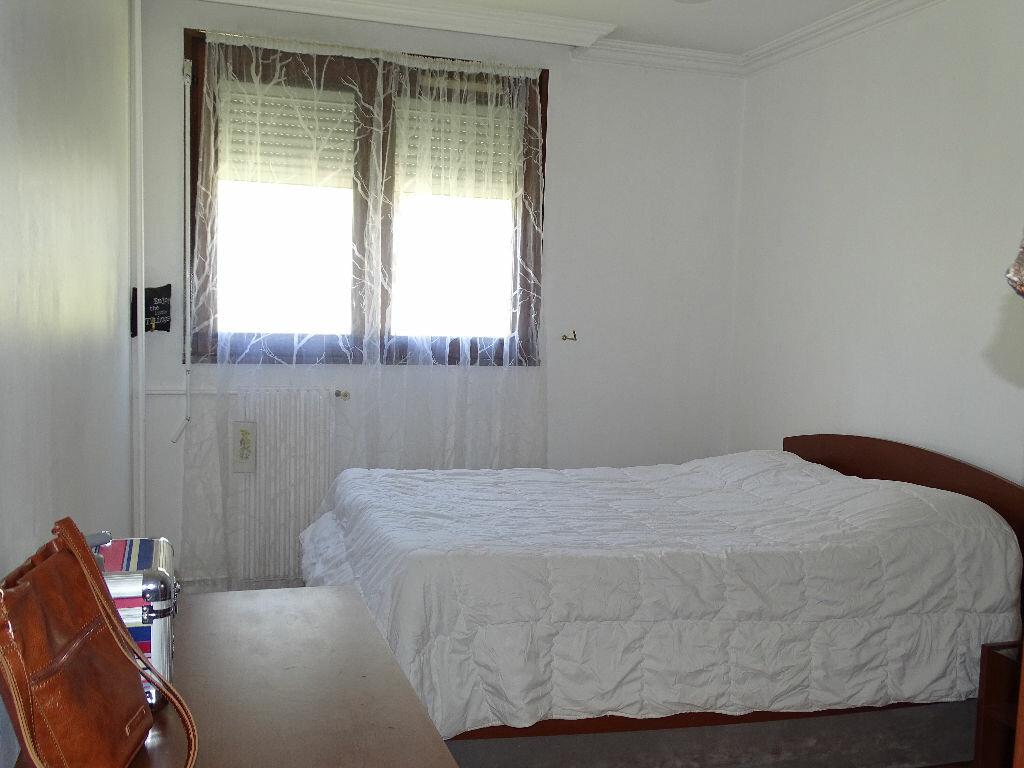 Achat Appartement 5 pièces à Saint-Étienne - vignette-3