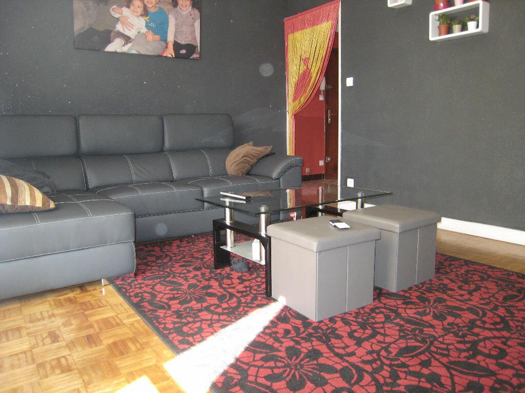 Achat Appartement 3 pièces à Saint-Chamond - vignette-1