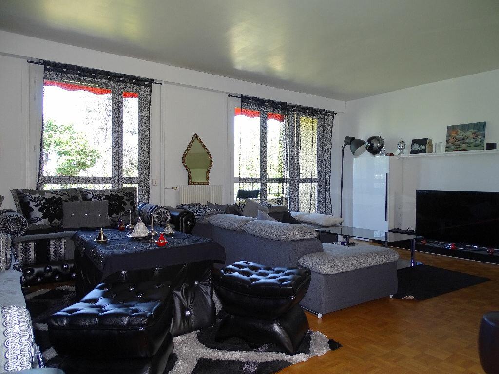 Achat Appartement 5 pièces à Saint-Étienne - vignette-10
