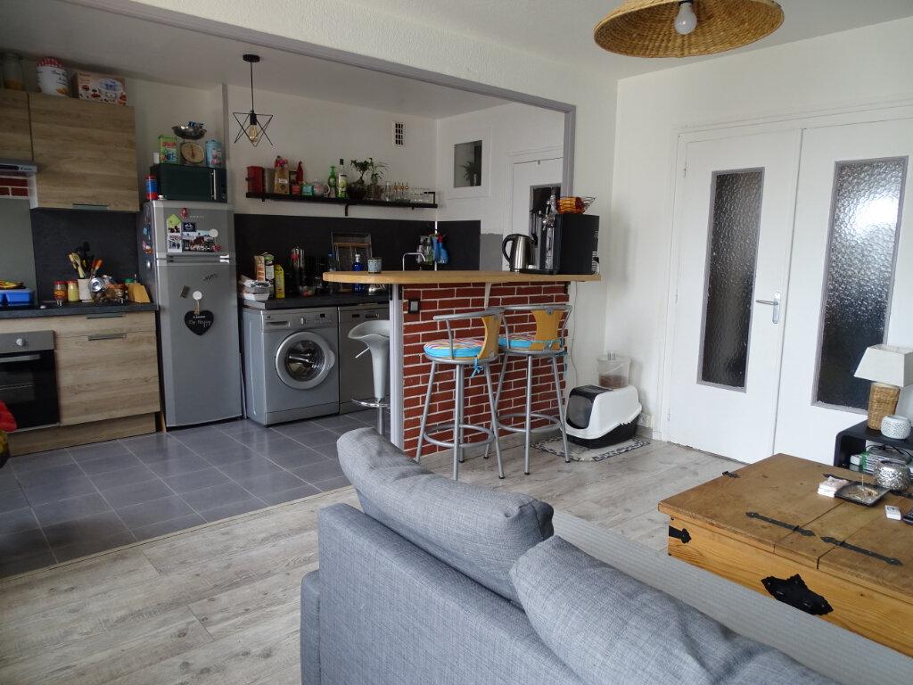 Achat Appartement 3 pièces à Saint-Étienne - vignette-1