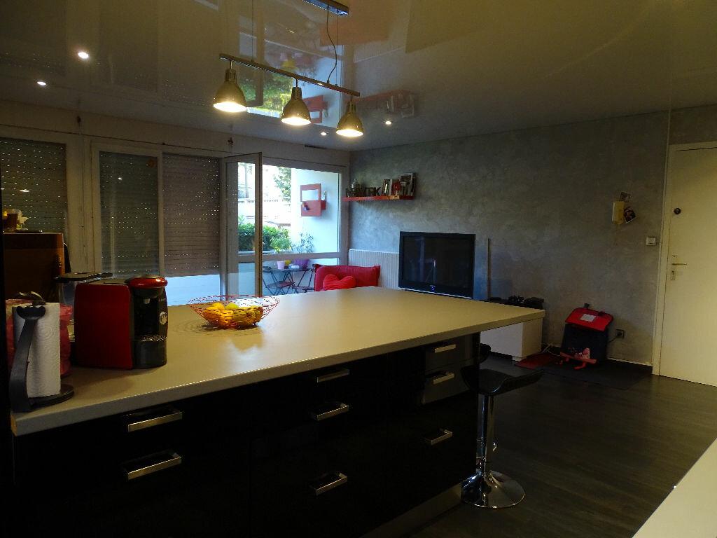 Achat Appartement 5 pièces à Saint-Étienne - vignette-1