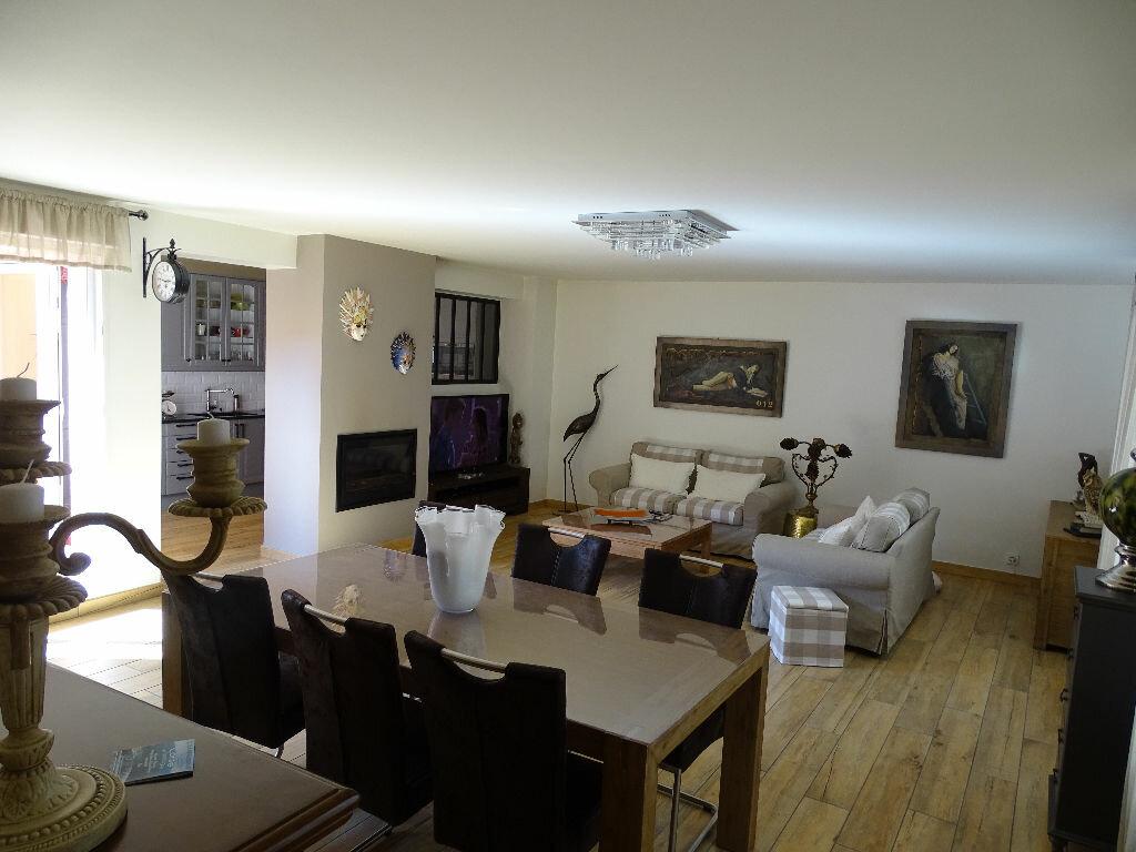 Achat Appartement 6 pièces à Saint-Étienne - vignette-2