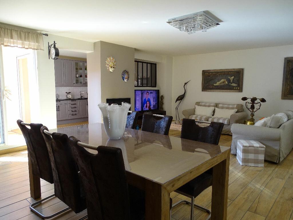 Achat Appartement 6 pièces à Saint-Étienne - vignette-6
