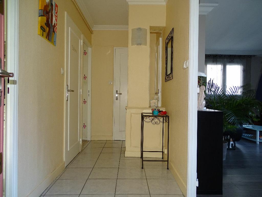 Achat Appartement 4 pièces à Saint-Étienne - vignette-10