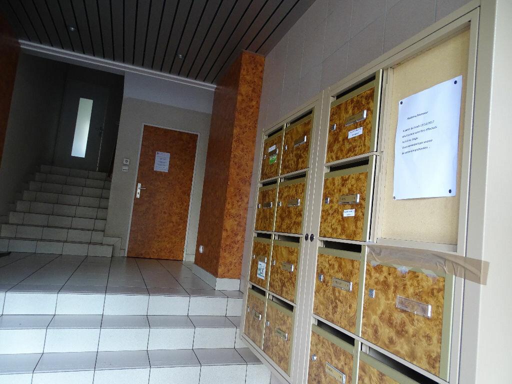 Achat Appartement 4 pièces à Saint-Étienne - vignette-11