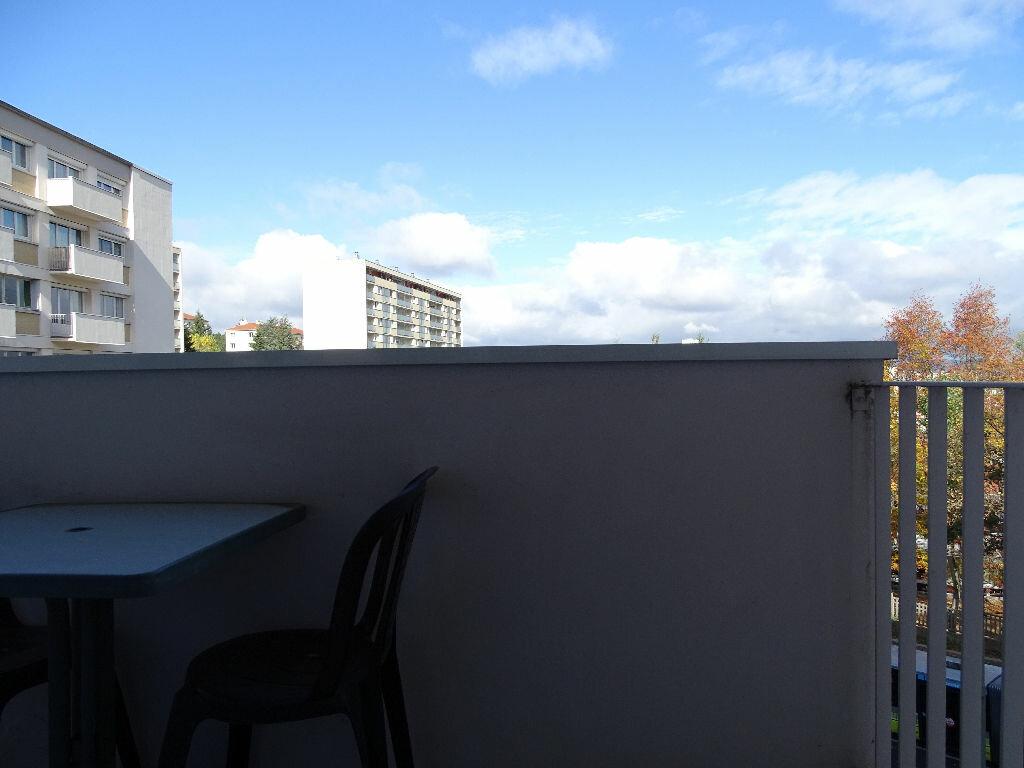 Achat Appartement 4 pièces à Saint-Étienne - vignette-15