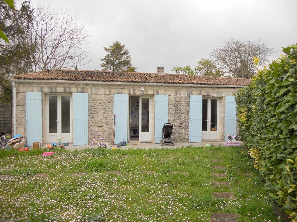 Achat Maison 3 pièces à Saint-Sulpice-de-Royan - vignette-1