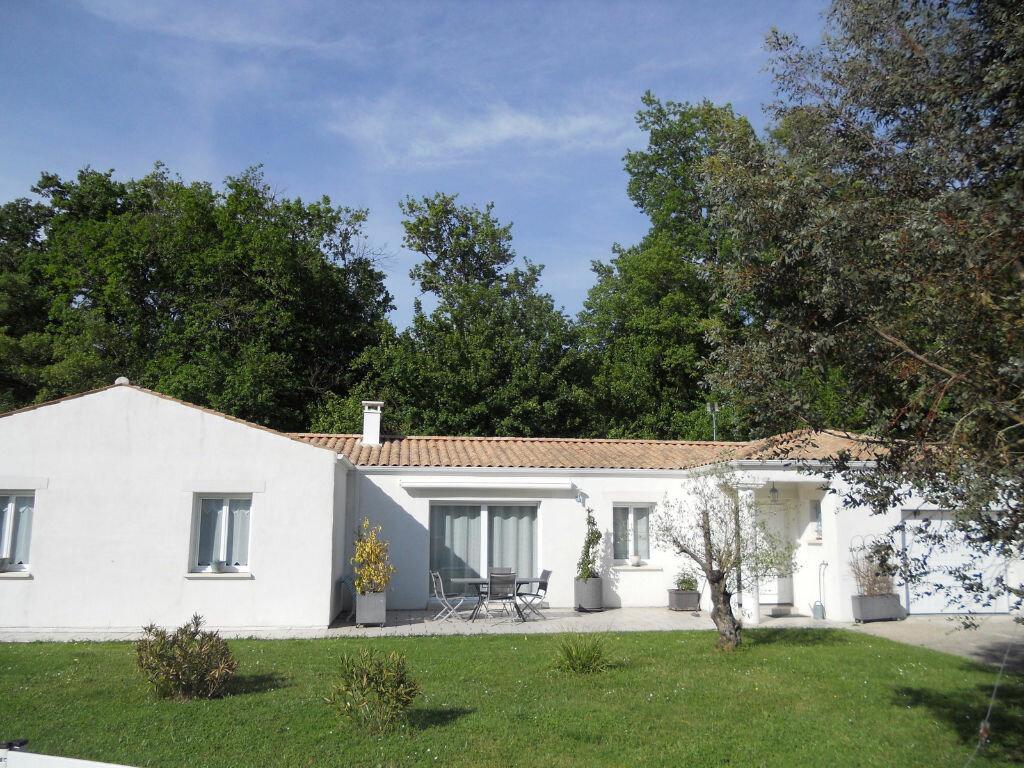 Achat Maison 4 pièces à Saint-Sulpice-de-Royan - vignette-1