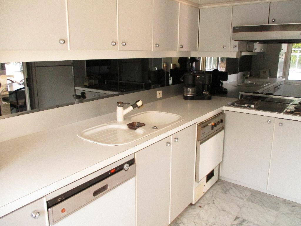 Achat Appartement 5 pièces à Saint-Palais-sur-Mer - vignette-6