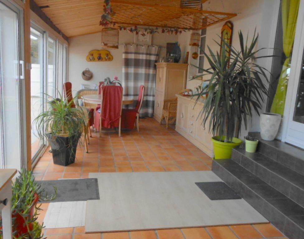 Achat Maison 8 pièces à Saint-Sulpice-de-Royan - vignette-3