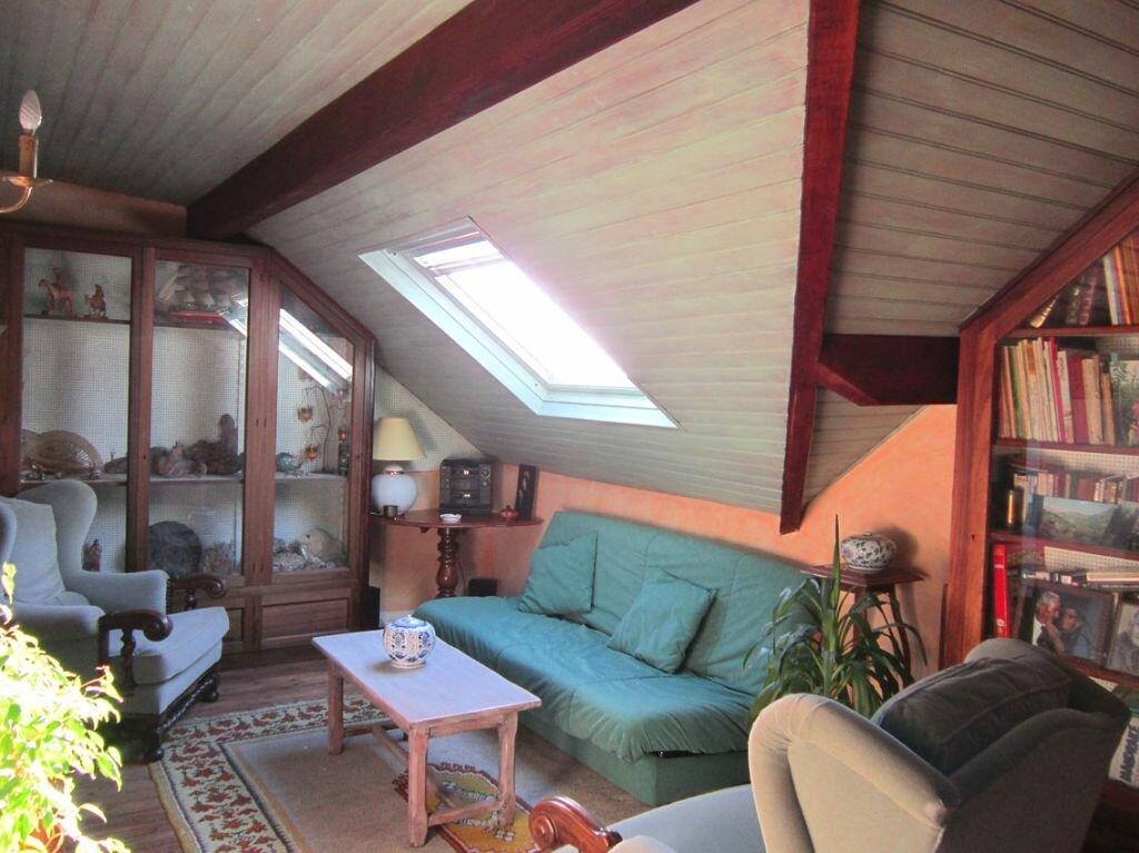 Achat Maison 8 pièces à Saint-Palais-sur-Mer - vignette-9