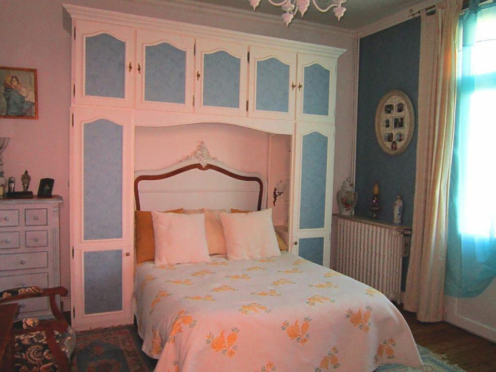 Achat Maison 8 pièces à Saint-Palais-sur-Mer - vignette-10