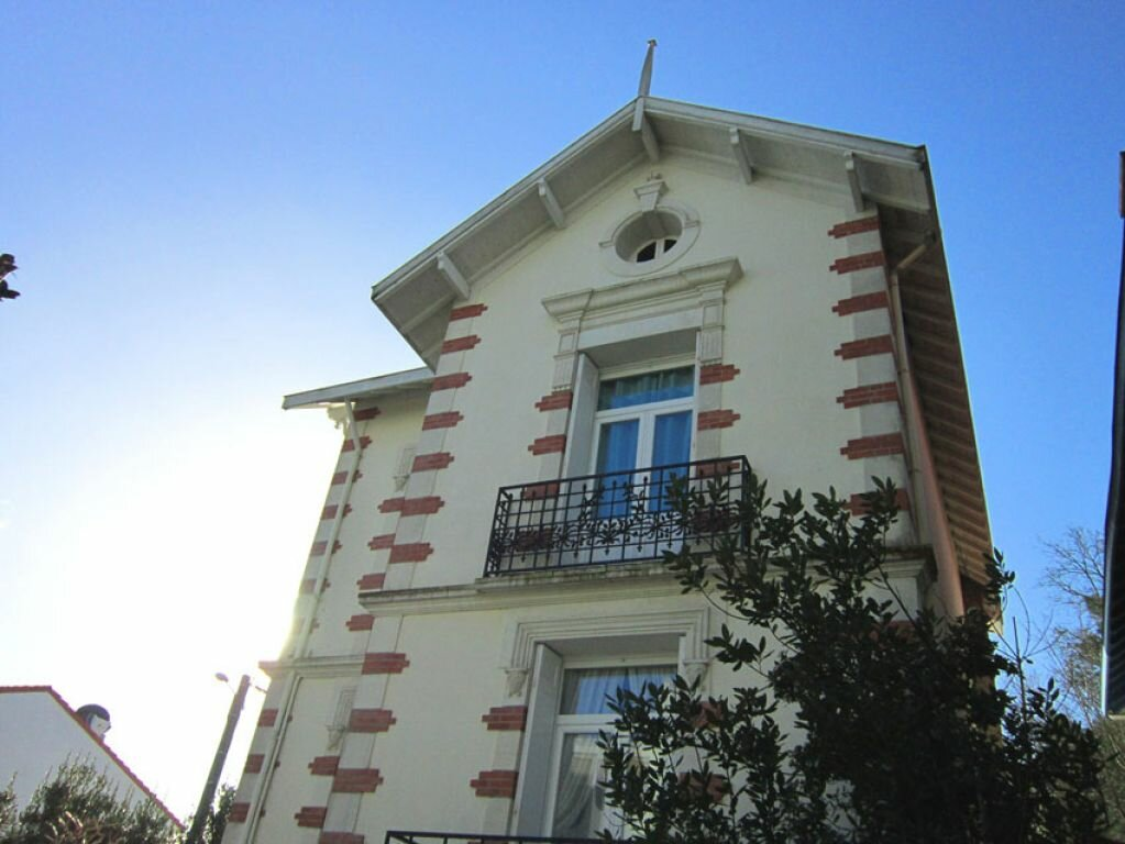 Achat Maison 8 pièces à Saint-Palais-sur-Mer - vignette-16