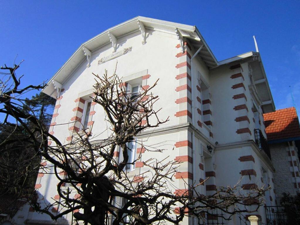 Achat Maison 8 pièces à Saint-Palais-sur-Mer - vignette-17
