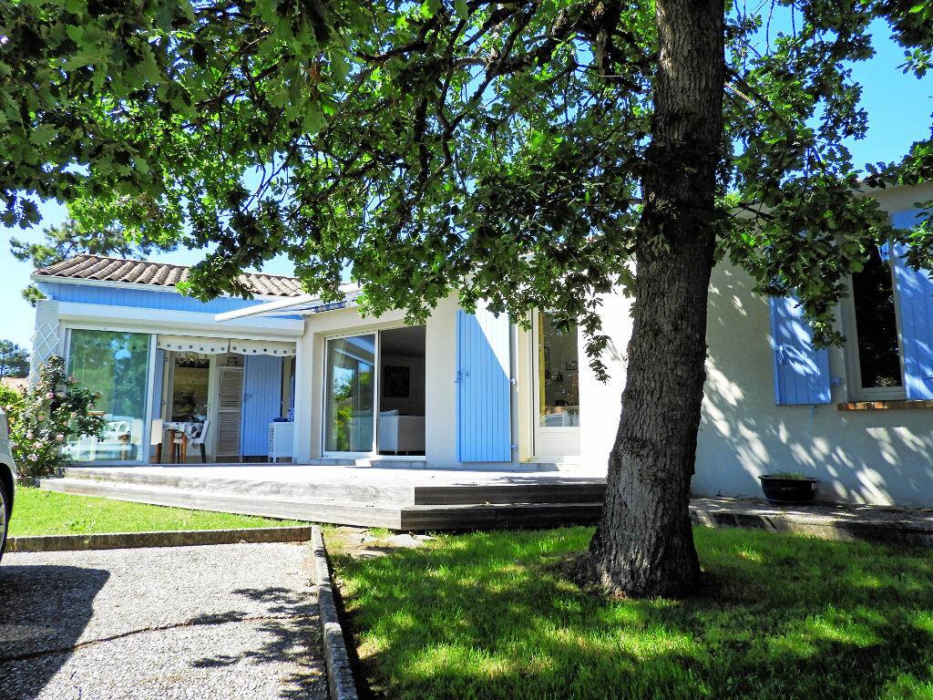 Achat Maison 7 pièces à Saint-Palais-sur-Mer - vignette-1
