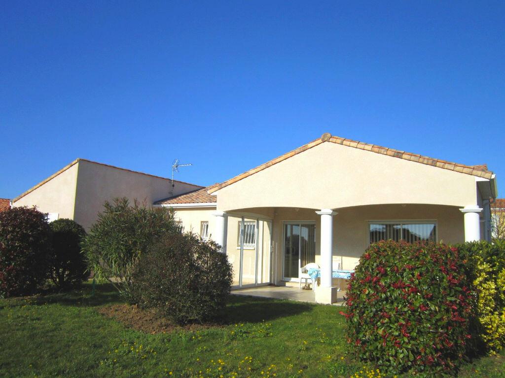 Achat Maison 4 pièces à Saint-Palais-sur-Mer - vignette-3