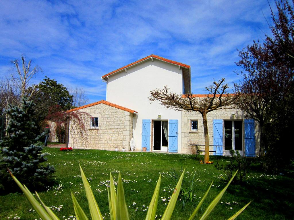 Achat Maison 6 pièces à Saint-Palais-sur-Mer - vignette-1