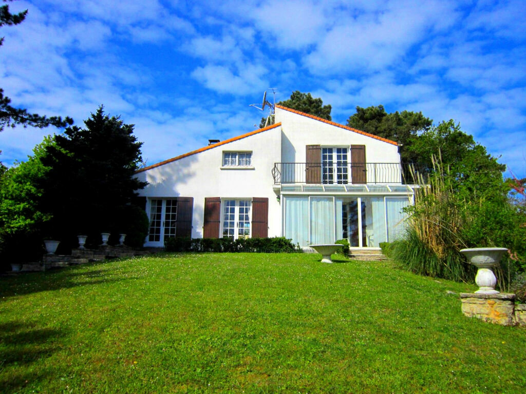Achat Maison 10 pièces à Saint-Palais-sur-Mer - vignette-1