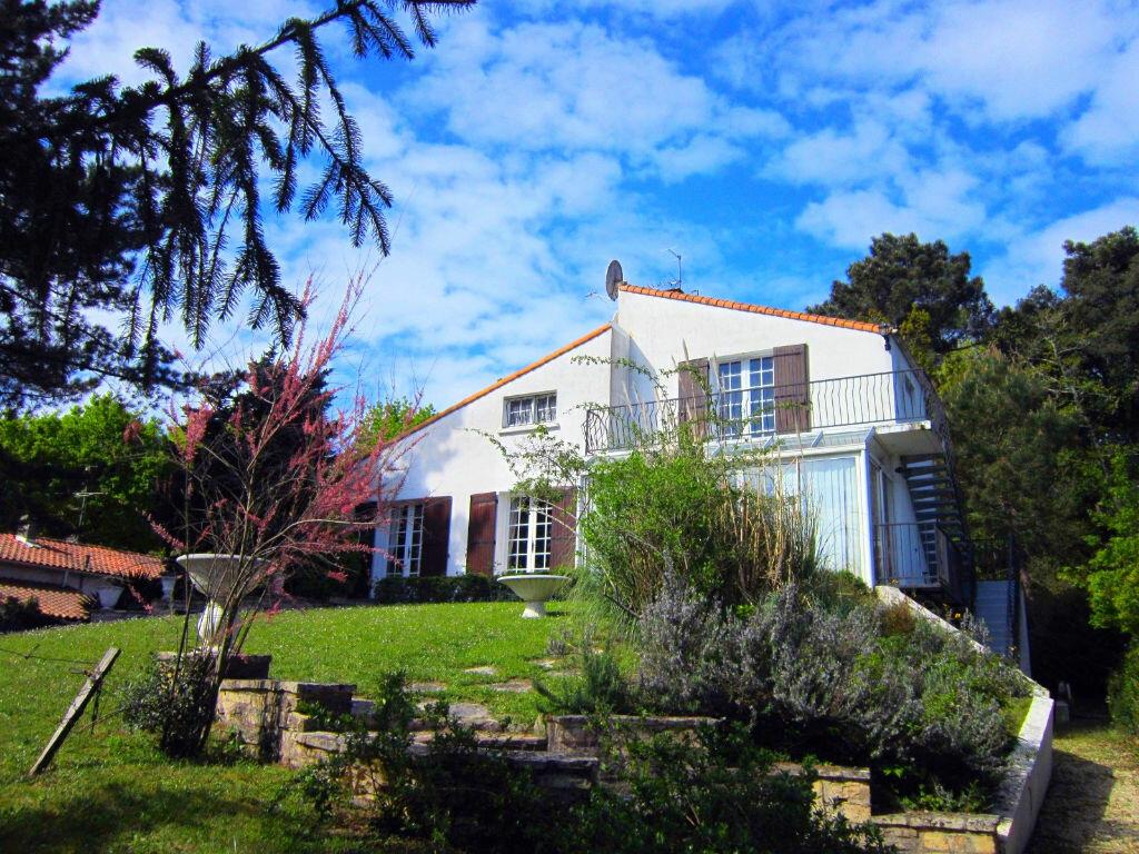 Achat Maison 10 pièces à Saint-Palais-sur-Mer - vignette-2