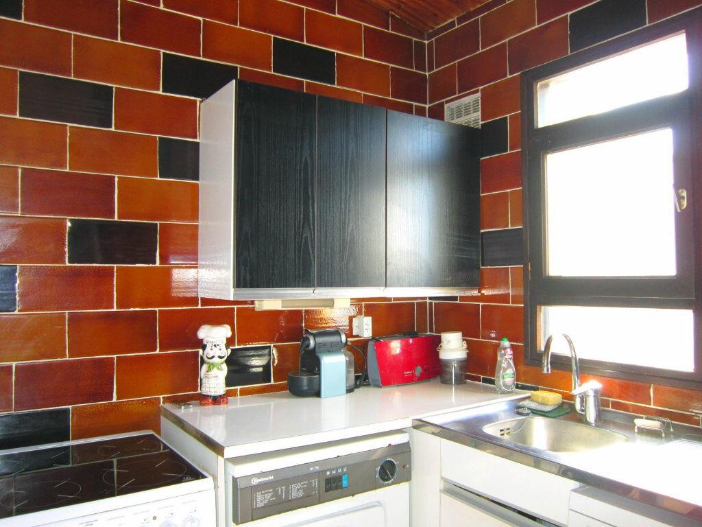 Achat Appartement 4 pièces à Saint-Palais-sur-Mer - vignette-7