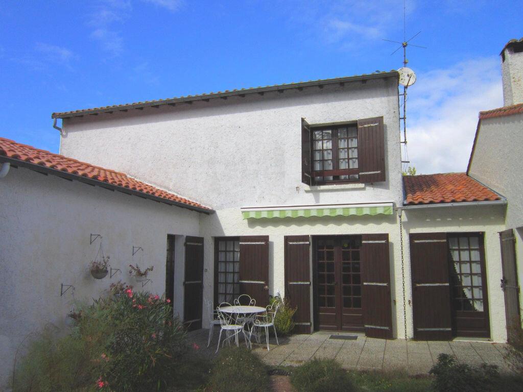Achat Maison 5 pièces à Saint-Augustin - vignette-1