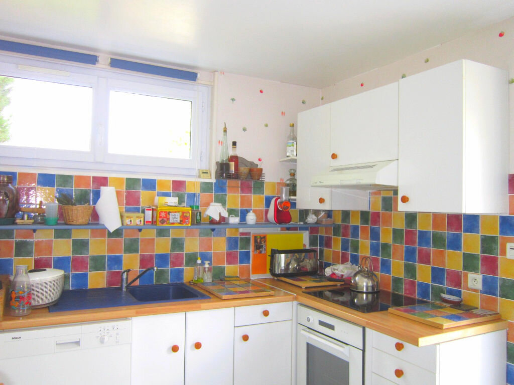Achat Maison 7 pièces à Saint-Palais-sur-Mer - vignette-12